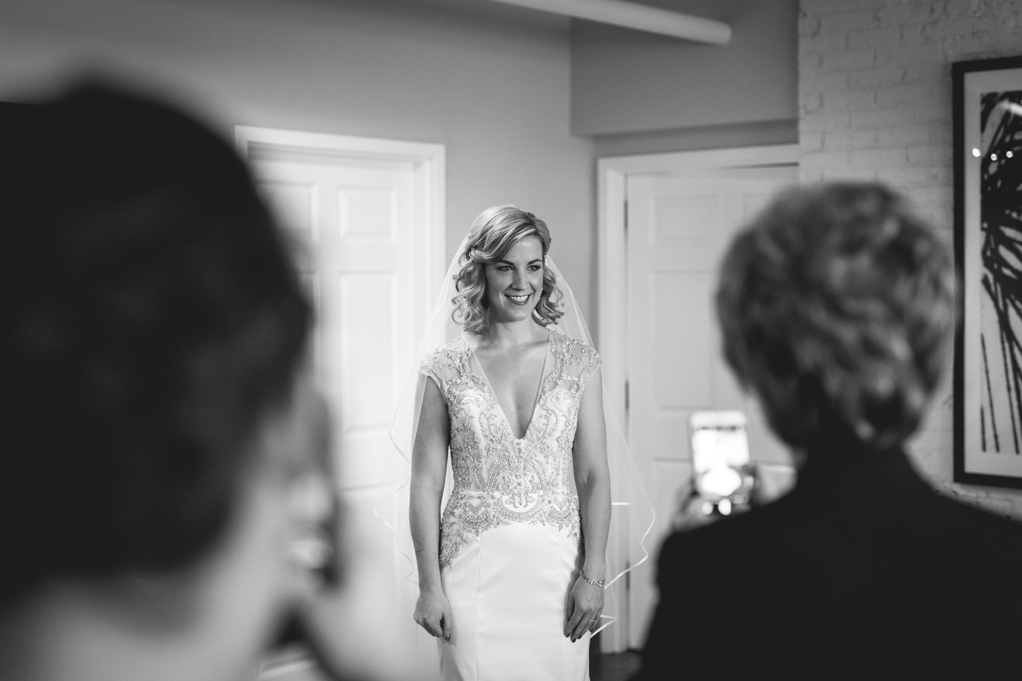 bride-getting-ready-at-lakewood-chicago.jpg