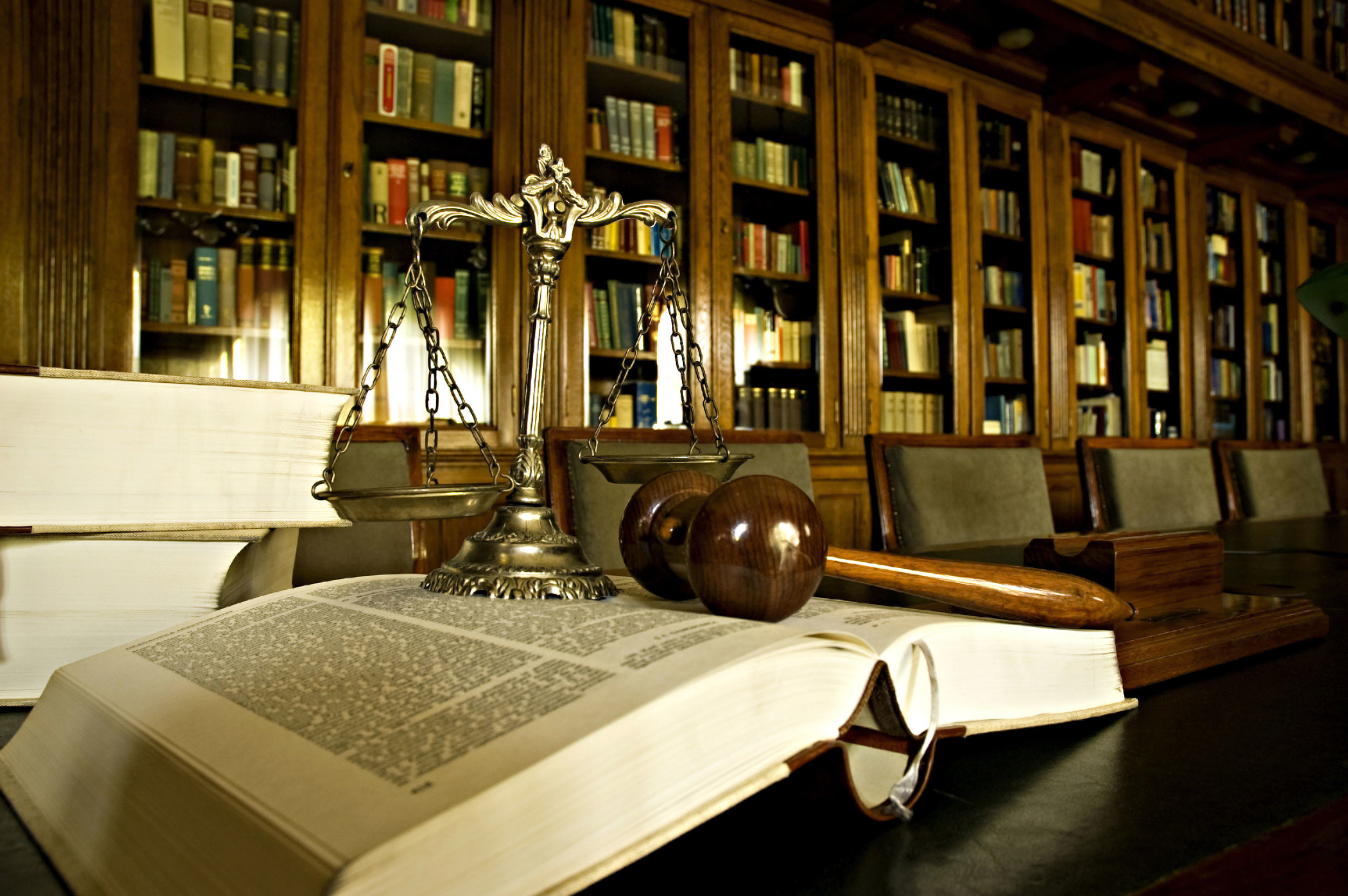 shutterstock_legal-library.jpg
