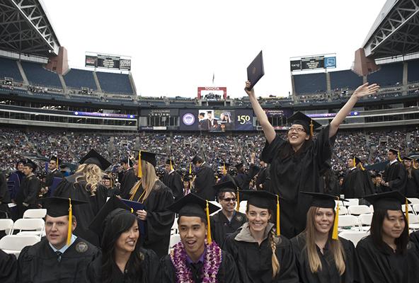 حفل تخرج جامعة واشنطن بسياتل