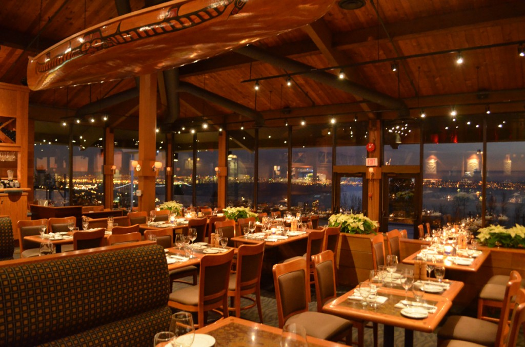Ivar's Salmon House - بيت السالمون    401 NE Northlake Way, Seattle, WA 98105   (206) 632-0767