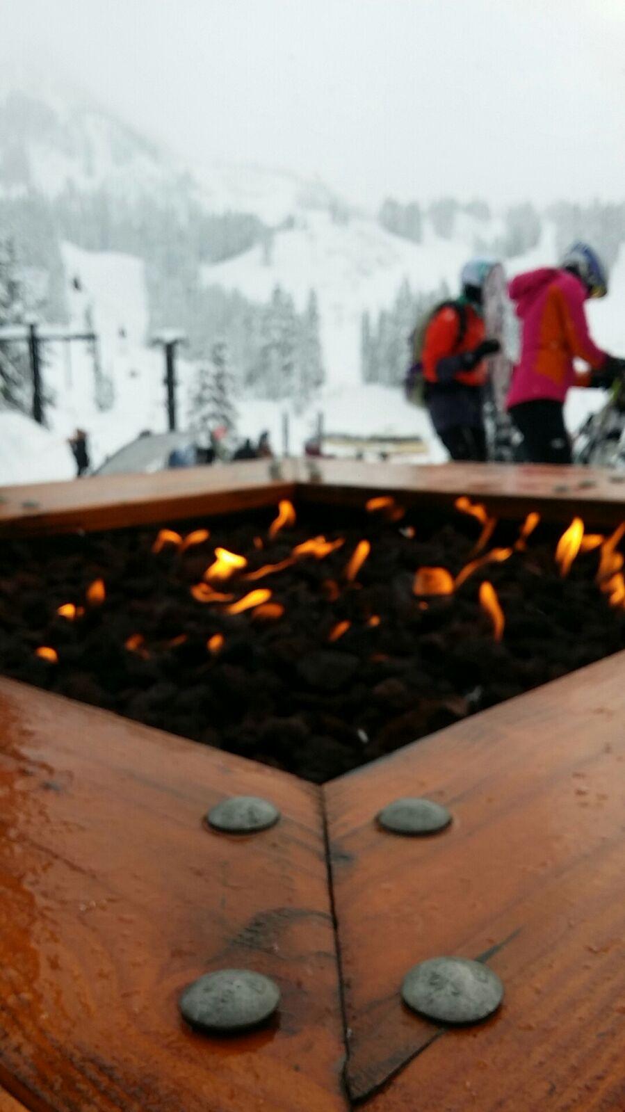 شبت النار في جبل الثلج بسياتل