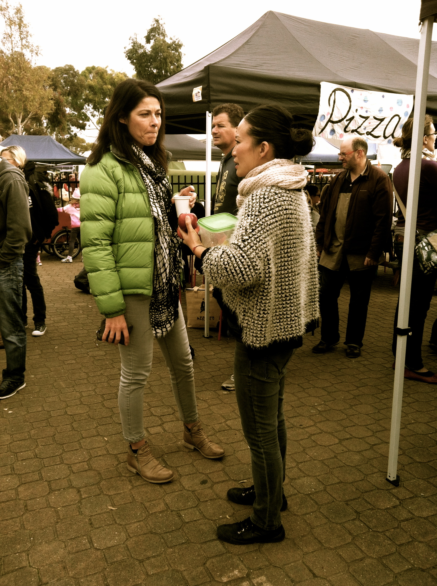 bites Nicole Tait of Good  chatting to Poh Ling Yeow of Masterchef & Poh's Kitchen at the local farmers markets.  Thoughts On What Matters.JPG