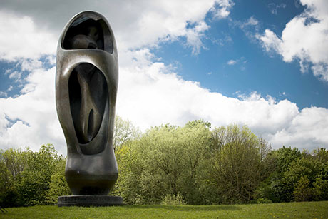 Large Upright Internal/External Form , Henry Moore, 1981-82 (photo by Jonty Wilde)