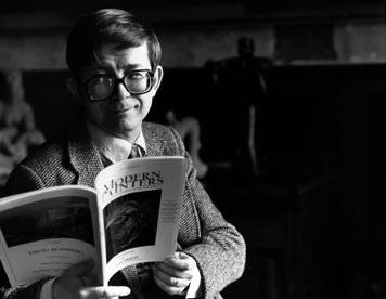 Peter Fuller reading the first issue of Modern Painters, the magazine he founded in 1986