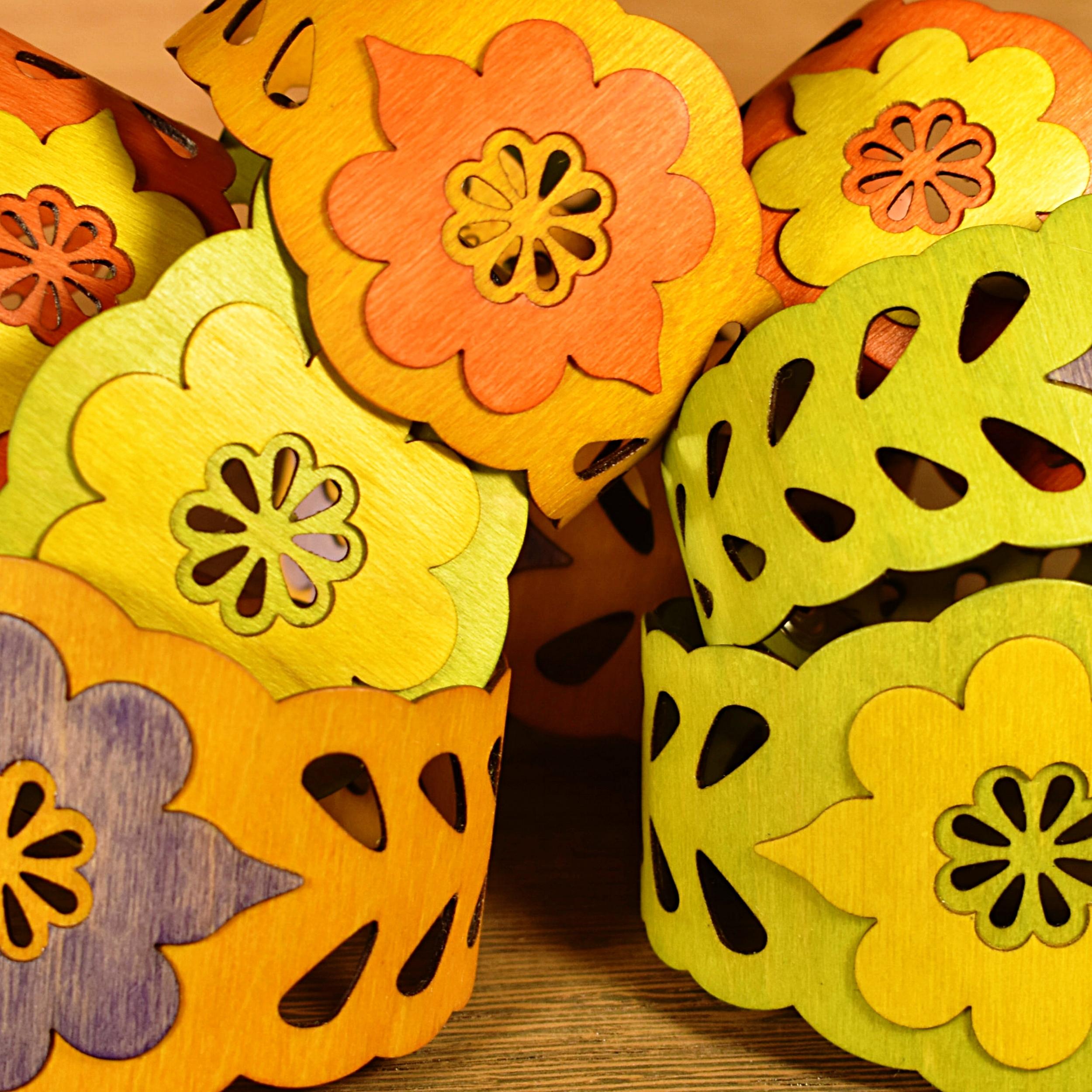 bracelets folk art flower colored group.JPG