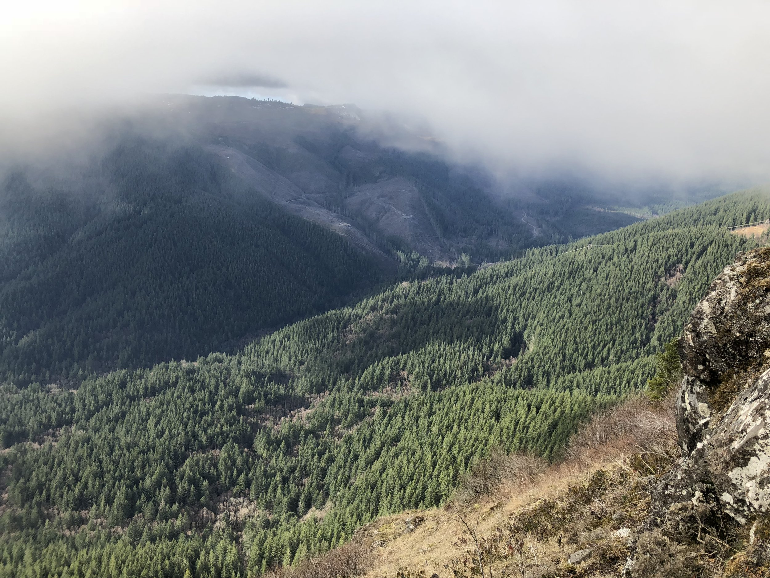 View from the descent down the west side of the loop.