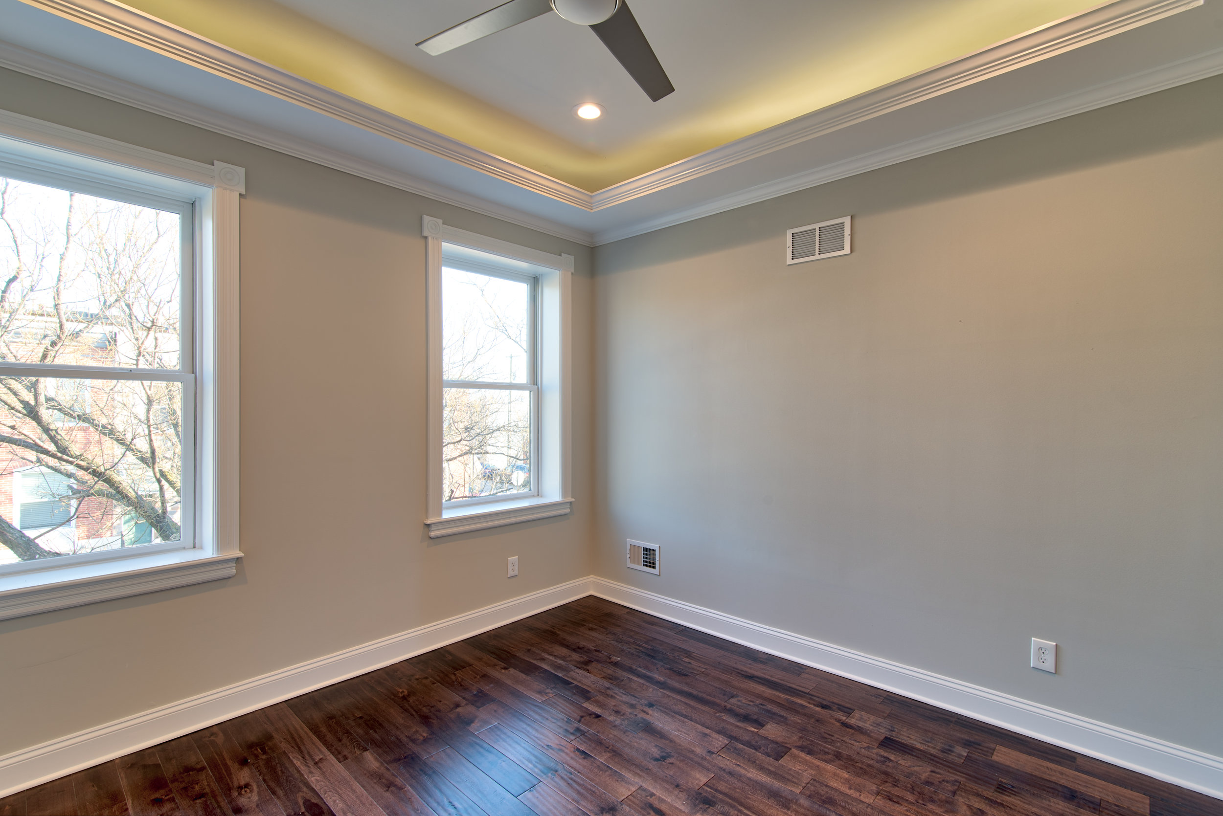 3605FosterAve (40 of 45).jpg