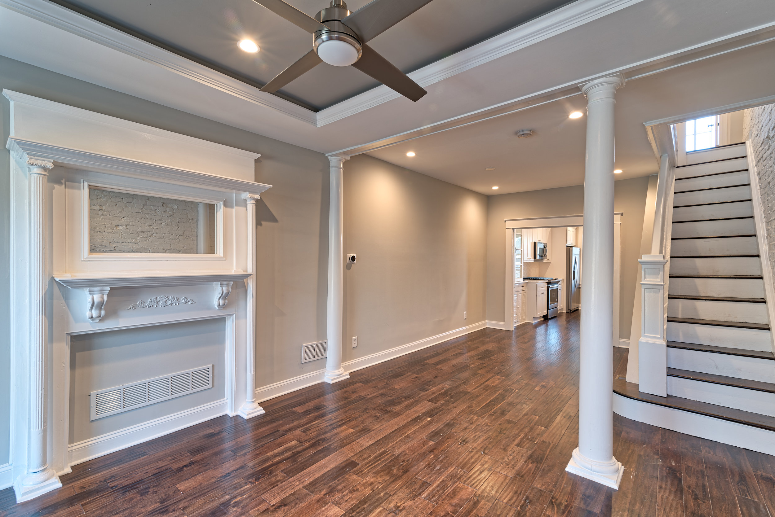 3605FosterAve (2 of 45).jpg