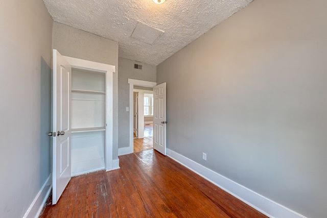 ‼️ New Rental Alert‼️Have you seen the interior of Unit 2 at 2603 Park Heights Terrace Baltimore, MD? Current rent is $1000 per month. 🛏️ 3 Bedroom🚽 1 Bathroom ☎️ Call (410) 756-0010 or fill out the form on our site 🌐https://charmcitybuilders.com/for-rent-1