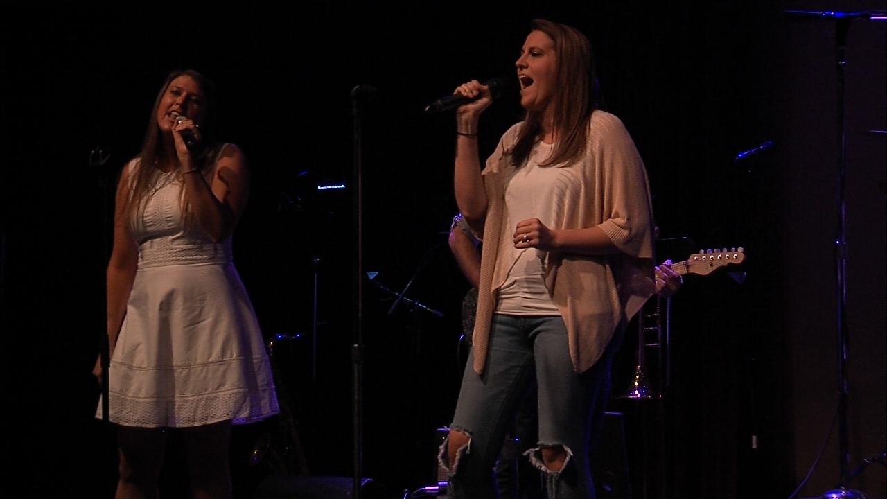 Katie Cox & Meghan Barnes - Critter Idols 2016