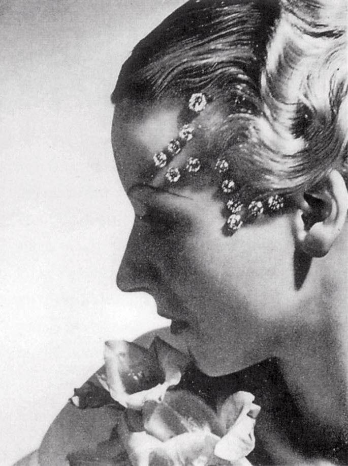 Horst P. Horst. Cartier's 'Diamant mystérieux',  1934