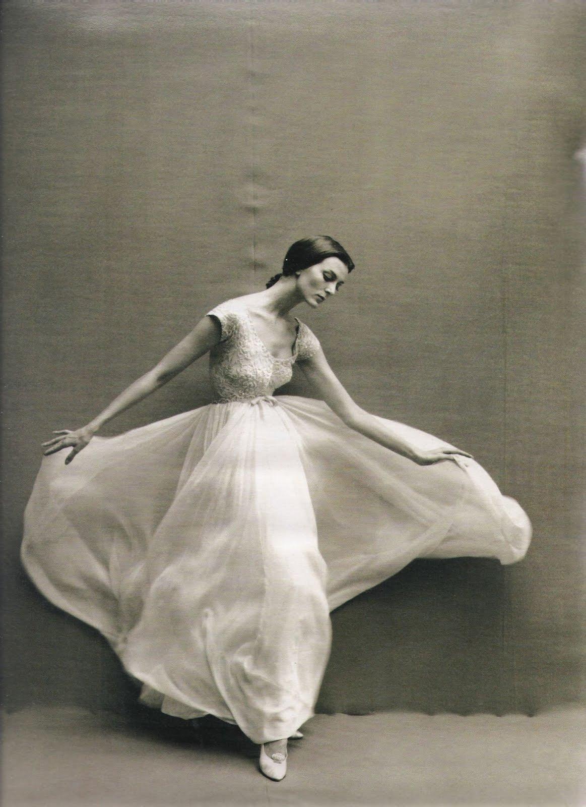 Richard Avedon.  Carmen Dell'Orefice inHarper's Bazaar , 1957