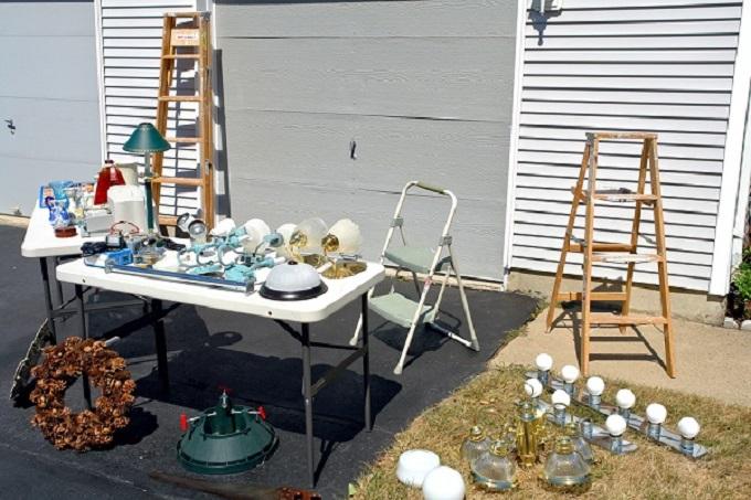 garage+sale+2.jpg