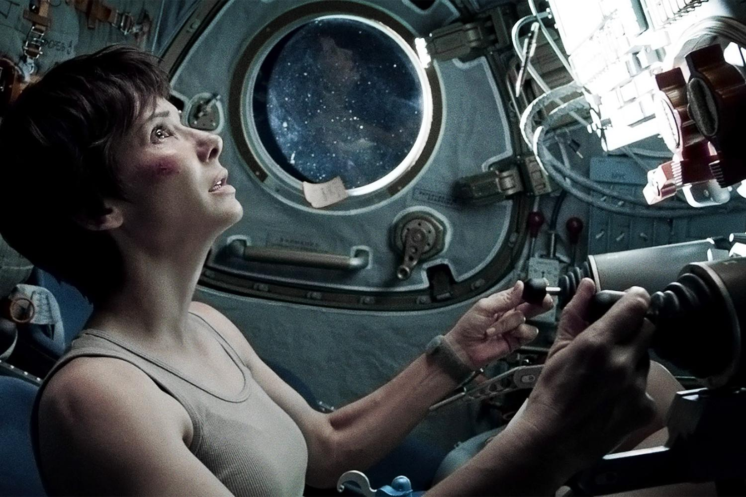 gravity-movie-review-sandra-bullock-ship.jpg