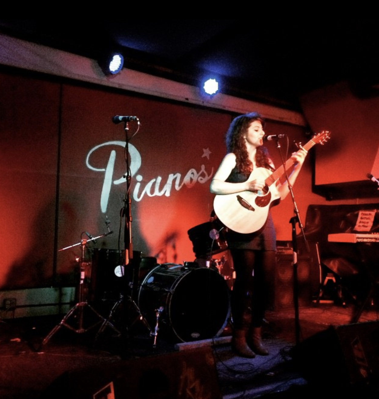 Melis Aker live at Pianos, New York