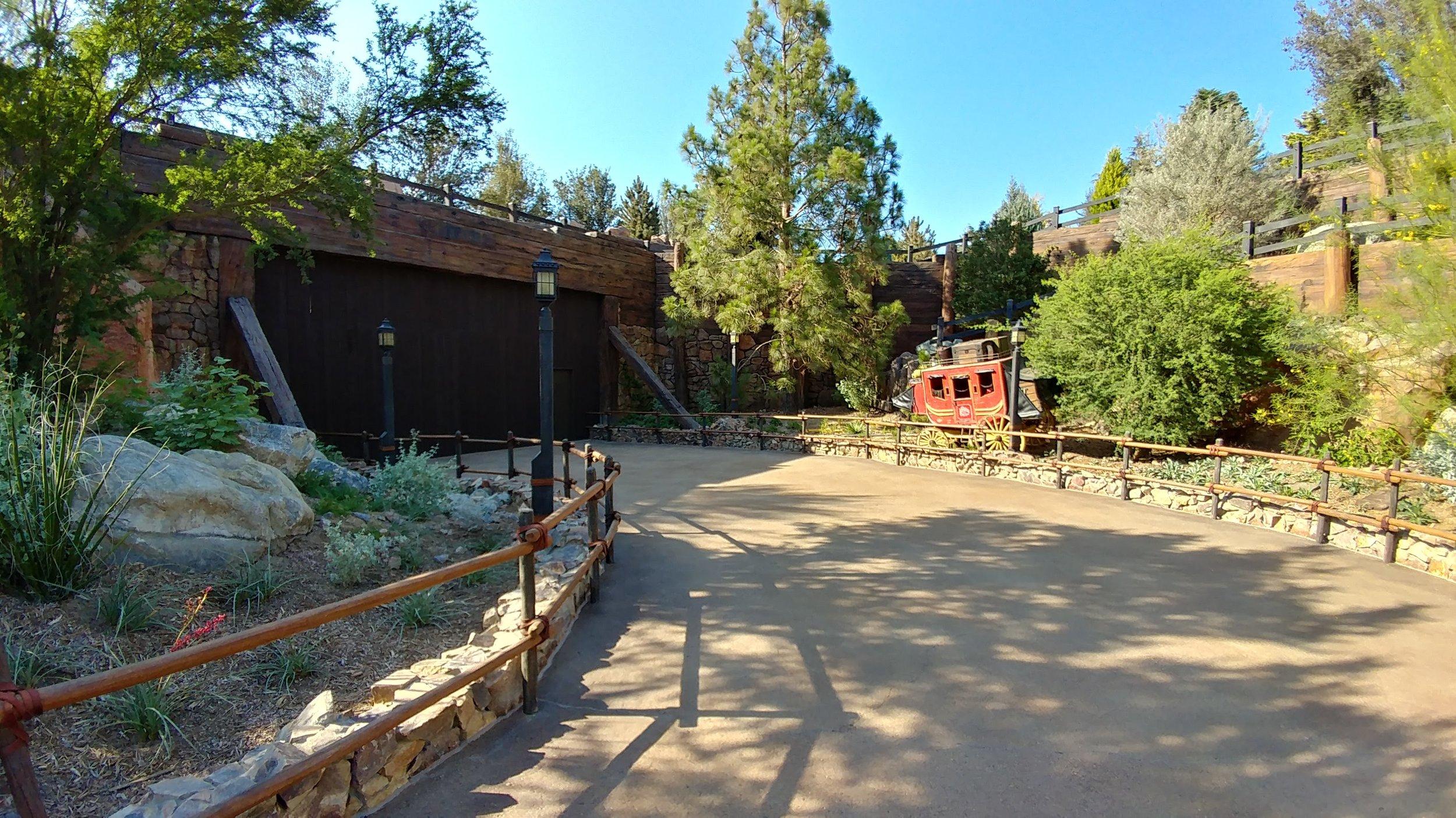 Trail To Star Wars: Galaxy's Edge - Disneyland