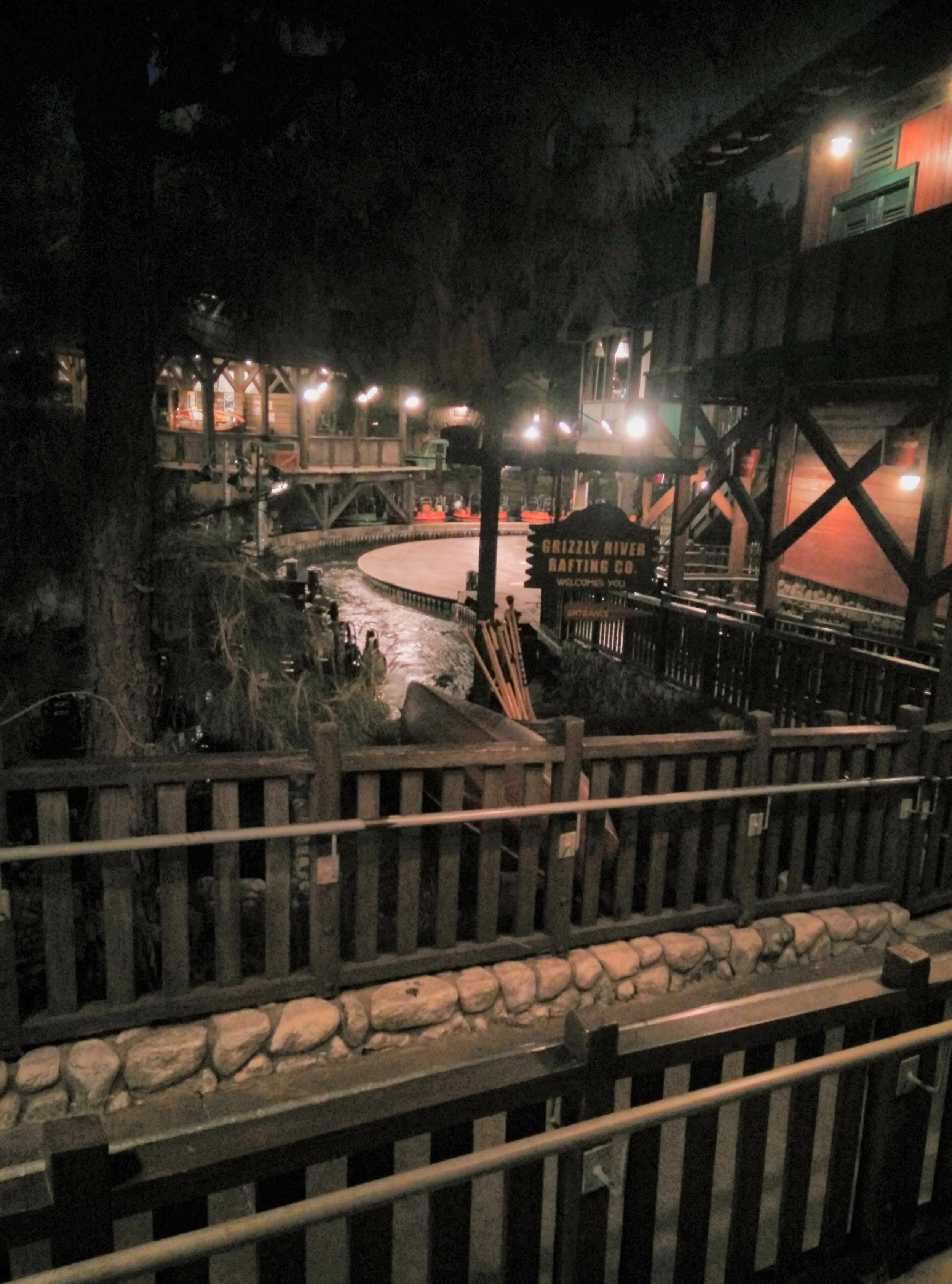 Grizzly River Run - Disney California Adventure