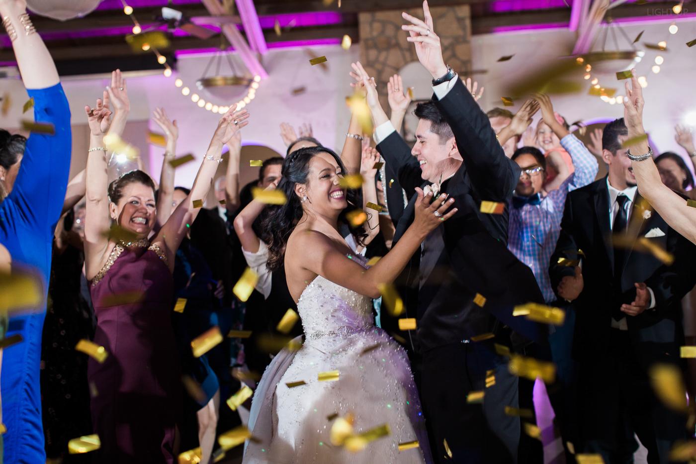 wedding confetti-3.jpg