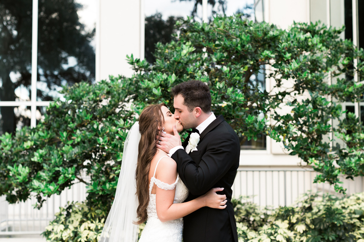 bright and airy wedding photographers orlando