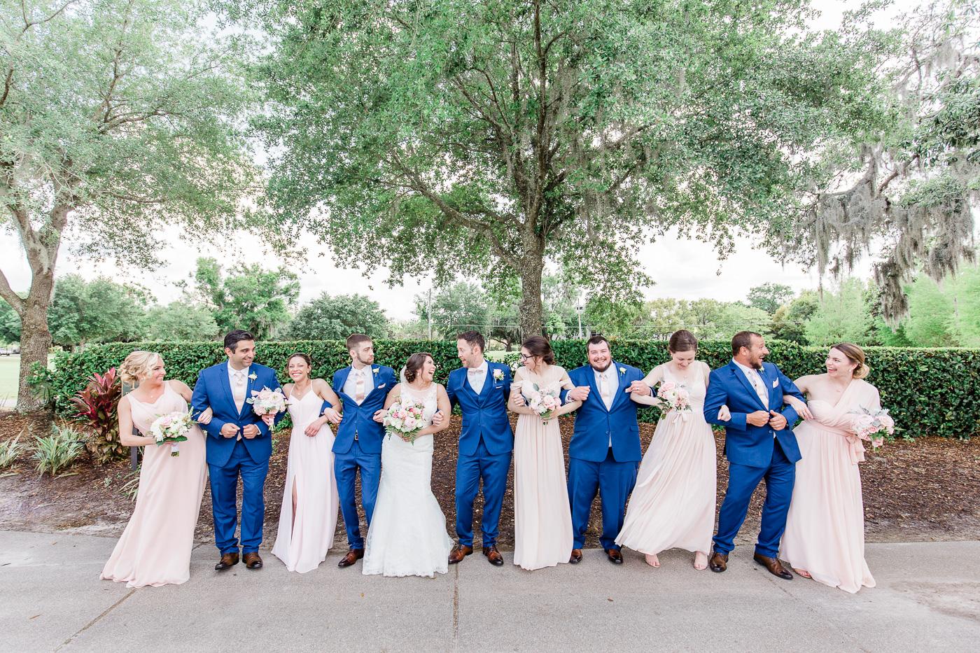 Fun-bridal-party-photos-1.jpg