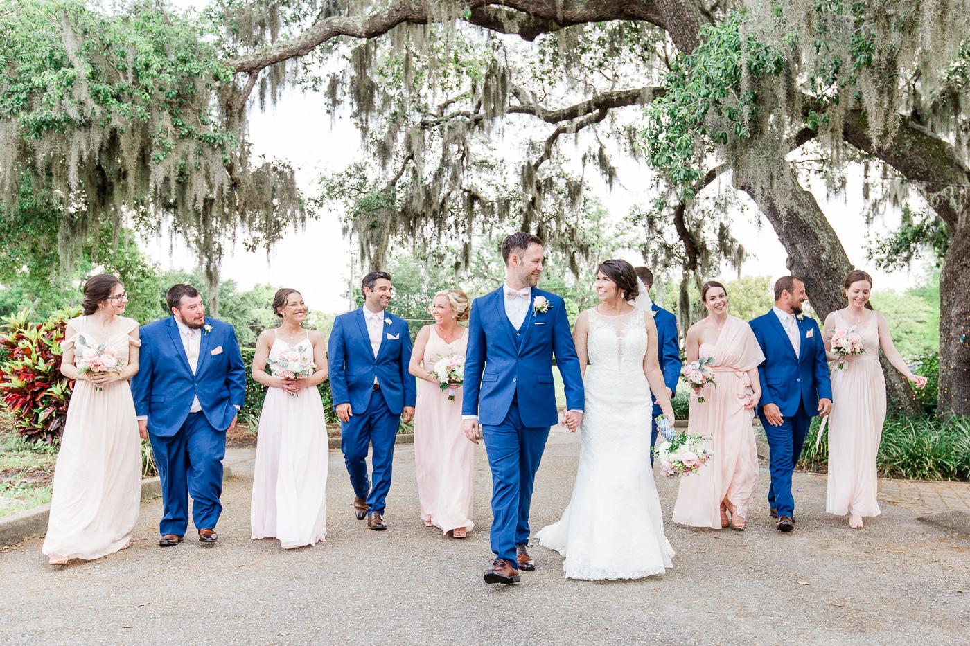 creative-bridal-party-photos-2.jpg