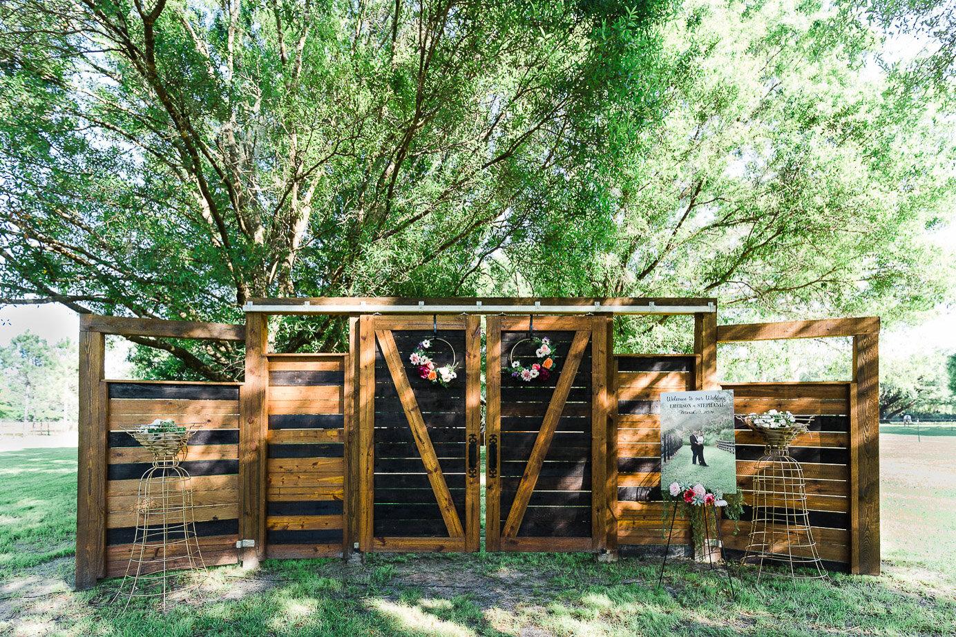 Lakeland-barn-wedding-at-white-horse-ranch-33.jpg