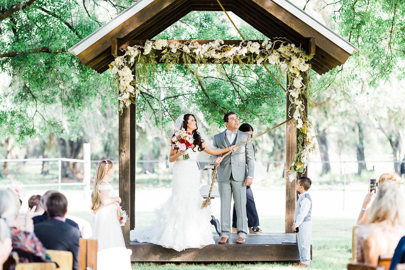 Lakeland-barn-wedding-at-white-horse-ranch-46.jpg