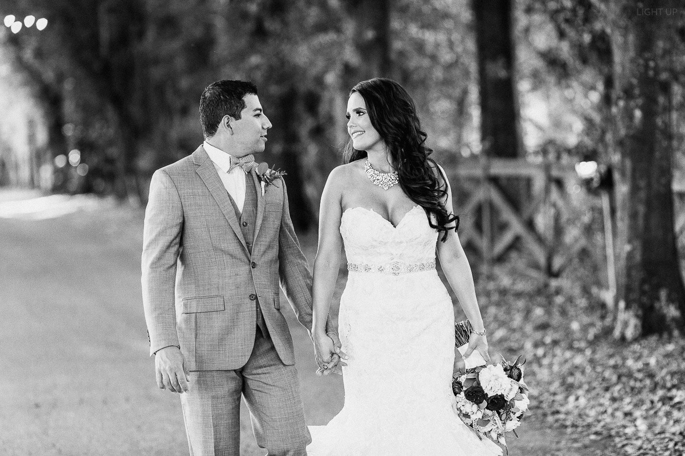Lakeland-barn-wedding-at-white-horse-ranch-67.jpg