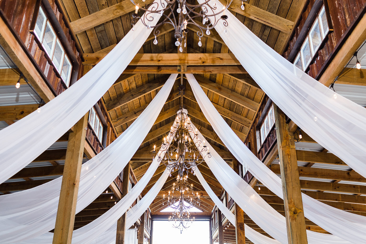 Lakeland-barn-wedding-at-white-horse-ranch-73.jpg