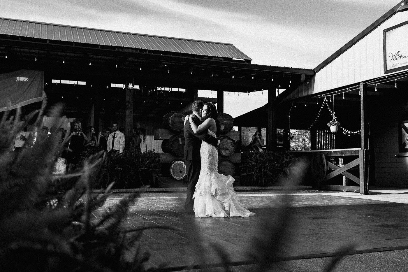 Lakeland-barn-wedding-at-white-horse-ranch-85.jpg