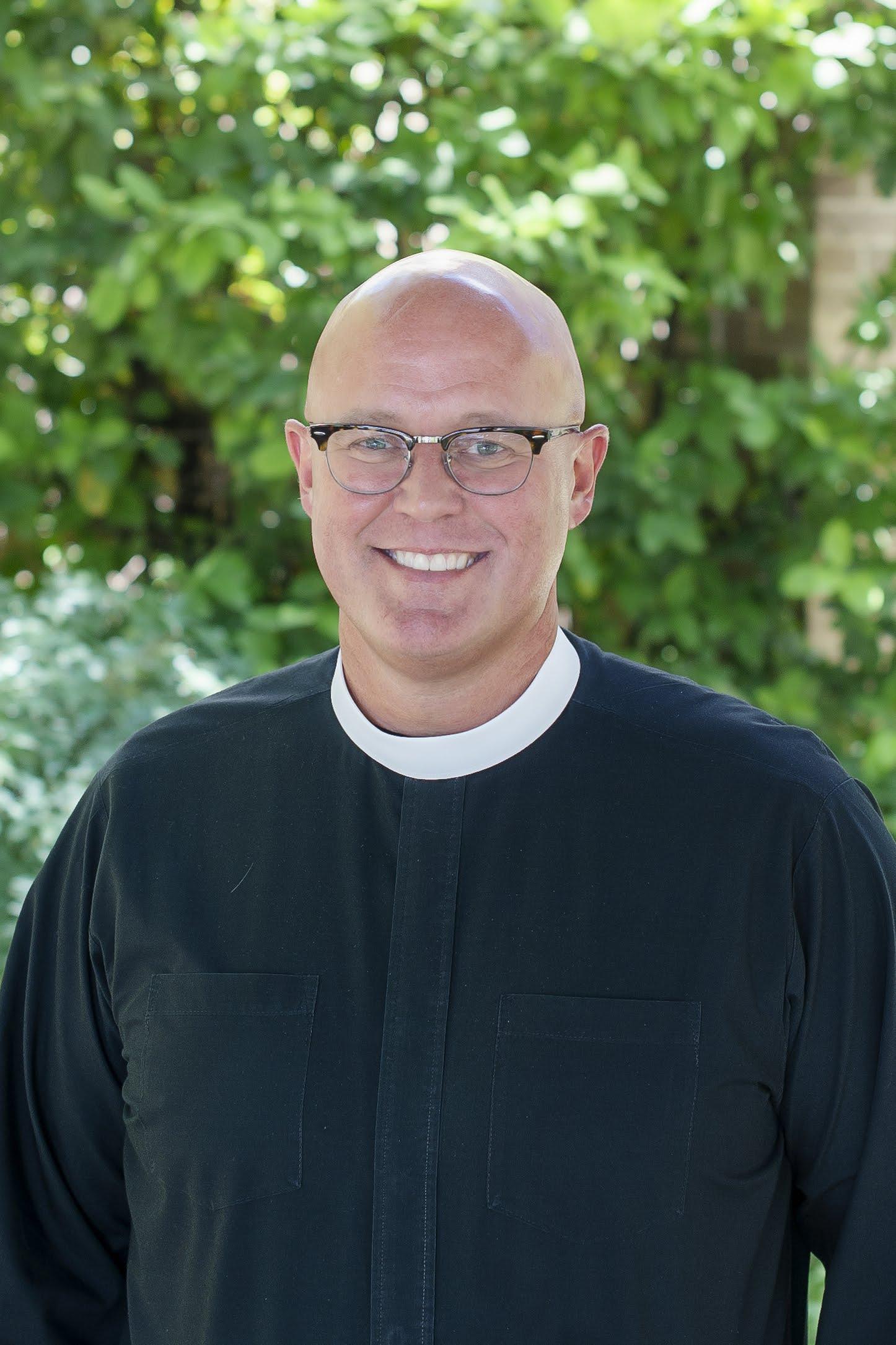 Justin Lindstrom     Assistant Rector for Community Formation