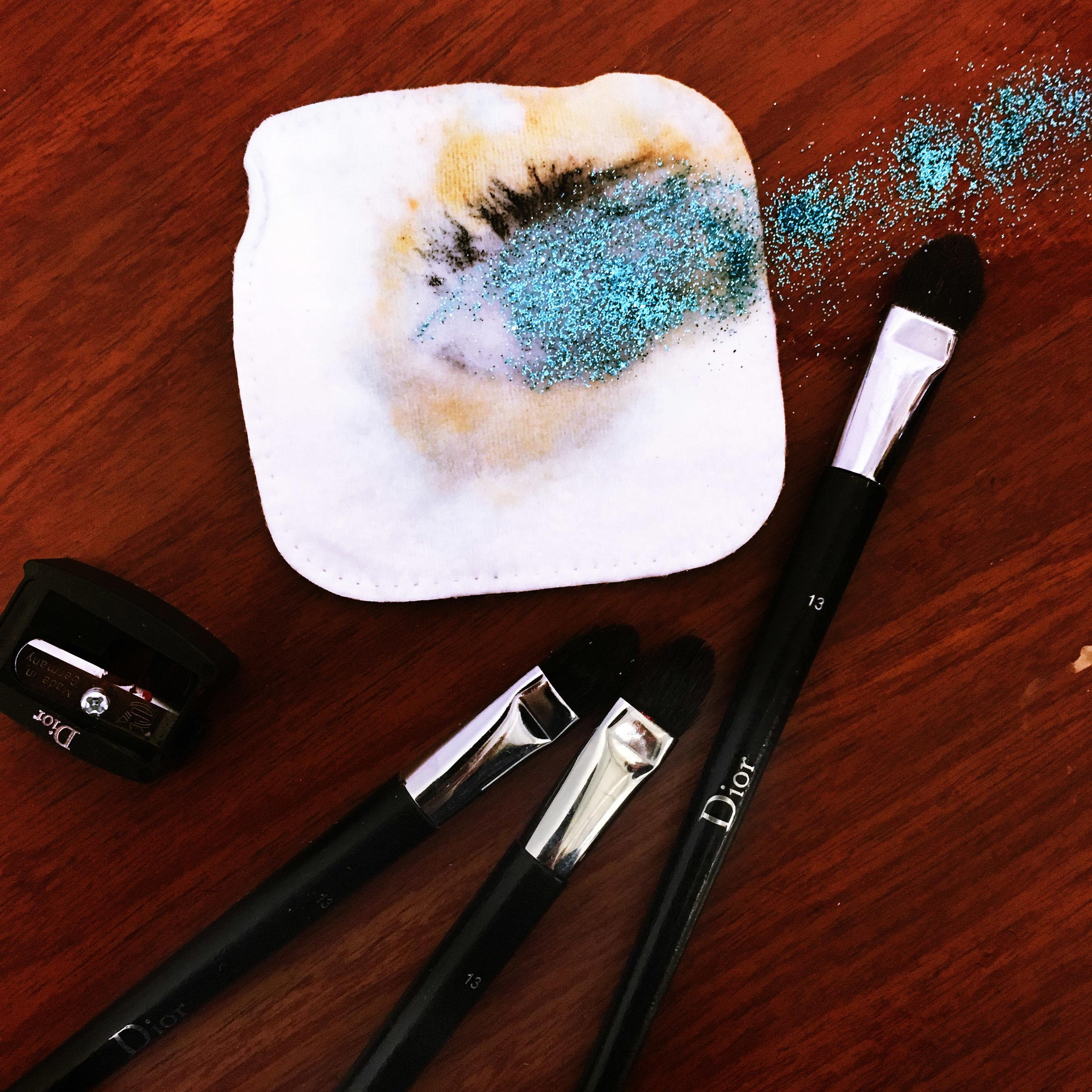 """"""" Flow My Tears, Said The Make Up Artist """". #backstage #makeup #dior #glitter @mathieumakeup @dorien.pauwels @onziemelieu"""