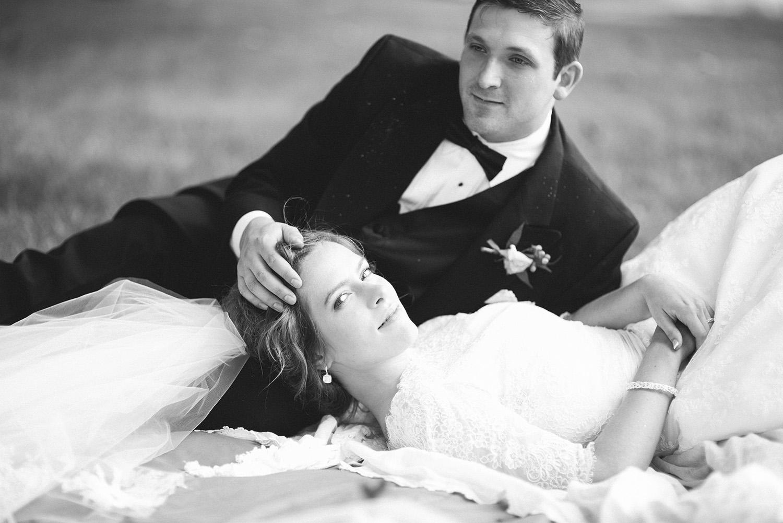 2-portland-oregon-vintage-black-and-white-wedding-christa-taylor-photography.jpg
