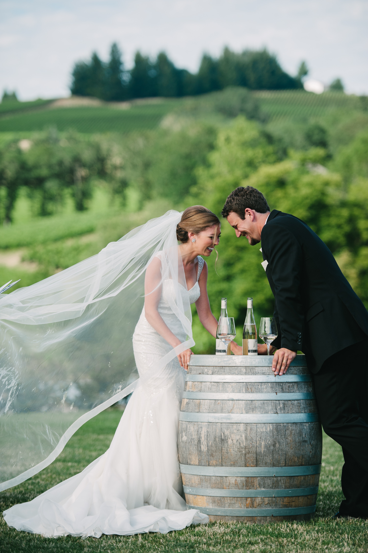14-zenith-vineyard-wedding-portland-oregon-christa-taylor-photography.jpg