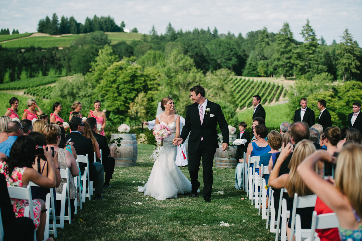 16-zenith-vineyard-wedding-portland-oregon-christa-taylor-photography.jpg
