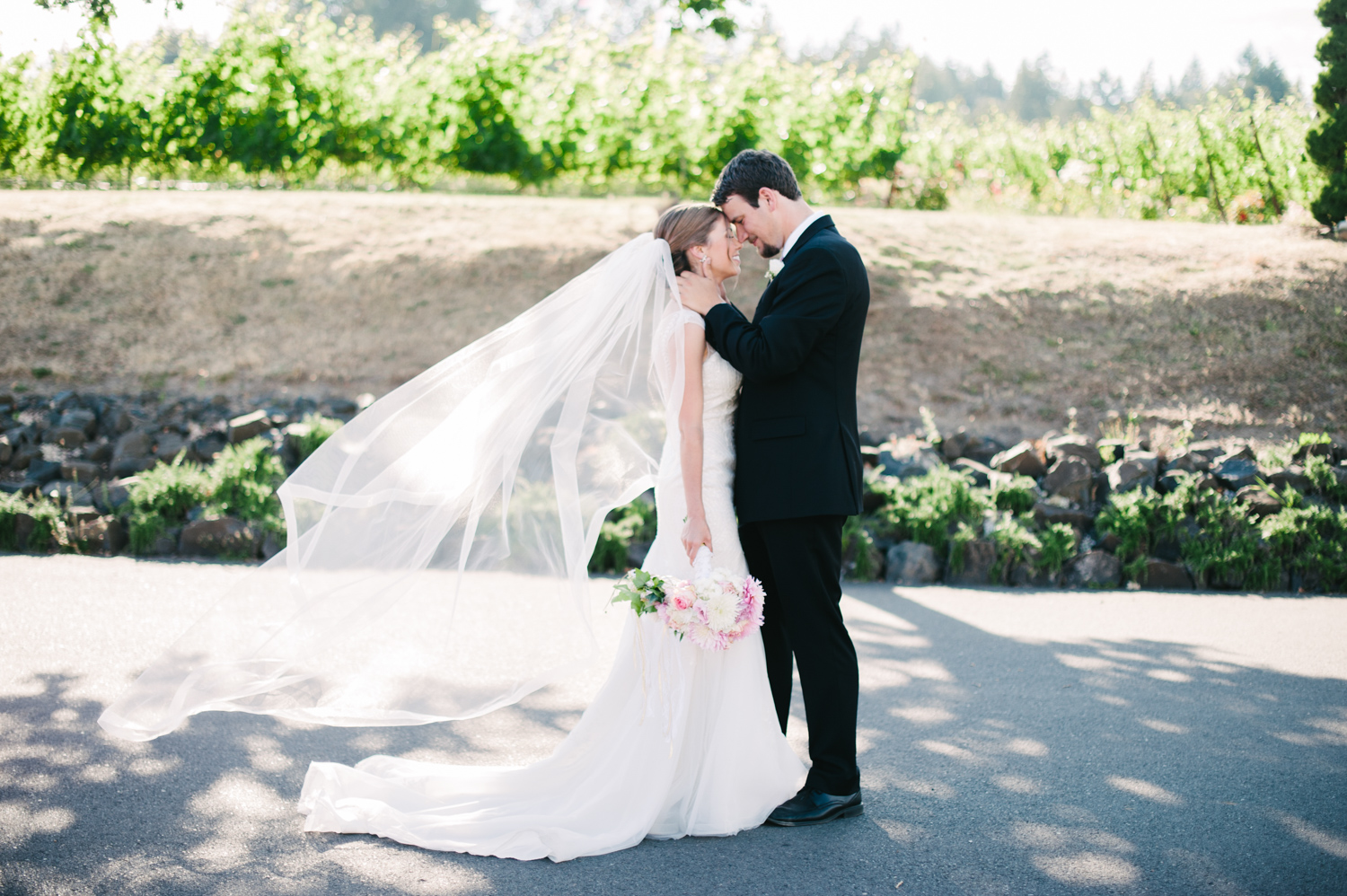 23-zenith-vineyard-wedding-portland-oregon-christa-taylor-photography.jpg