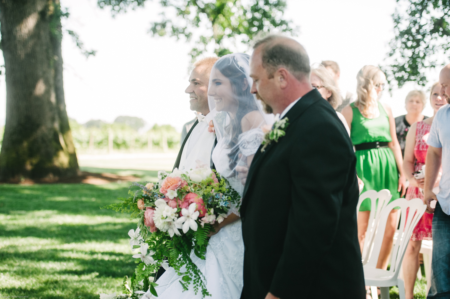 11-Postlewait_farms_wedding_christa_taylor_photography-73.jpg