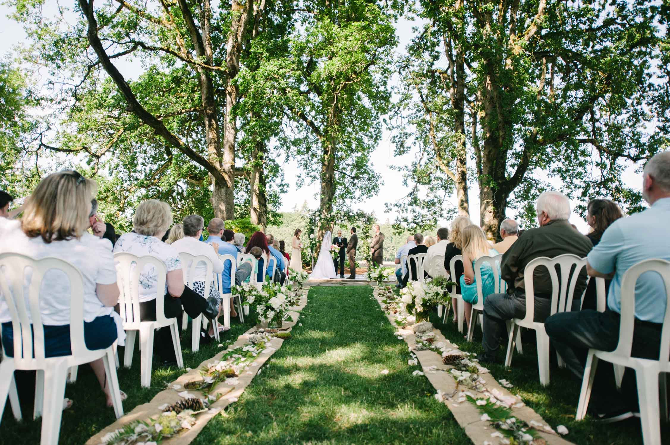 postlewait_farms_wedding_portland_or.jpg