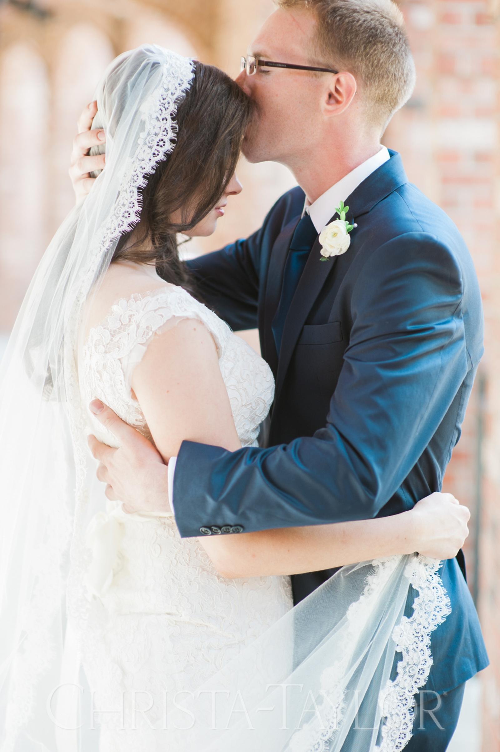 Annie Wright School in Tacoma wedding_0013.jpg