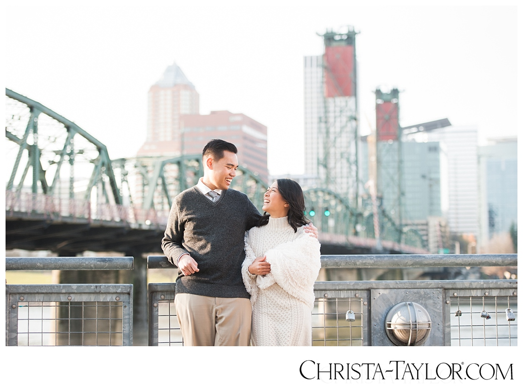 portland waterfront engagement photos_0813.jpg