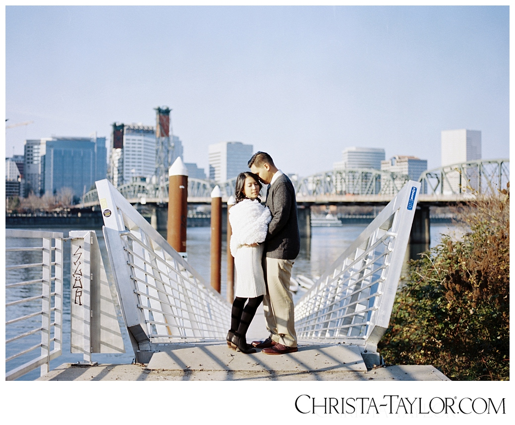 portland waterfront engagement photos_0824.jpg