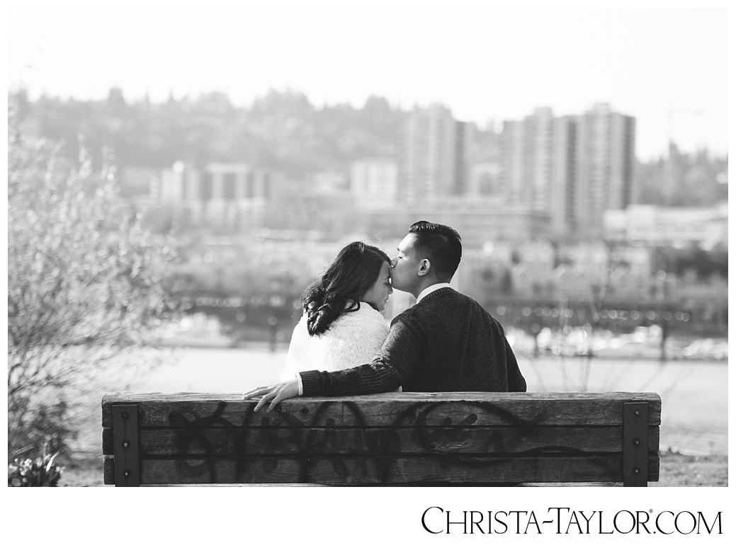 portland waterfront engagement photos_0828.jpg