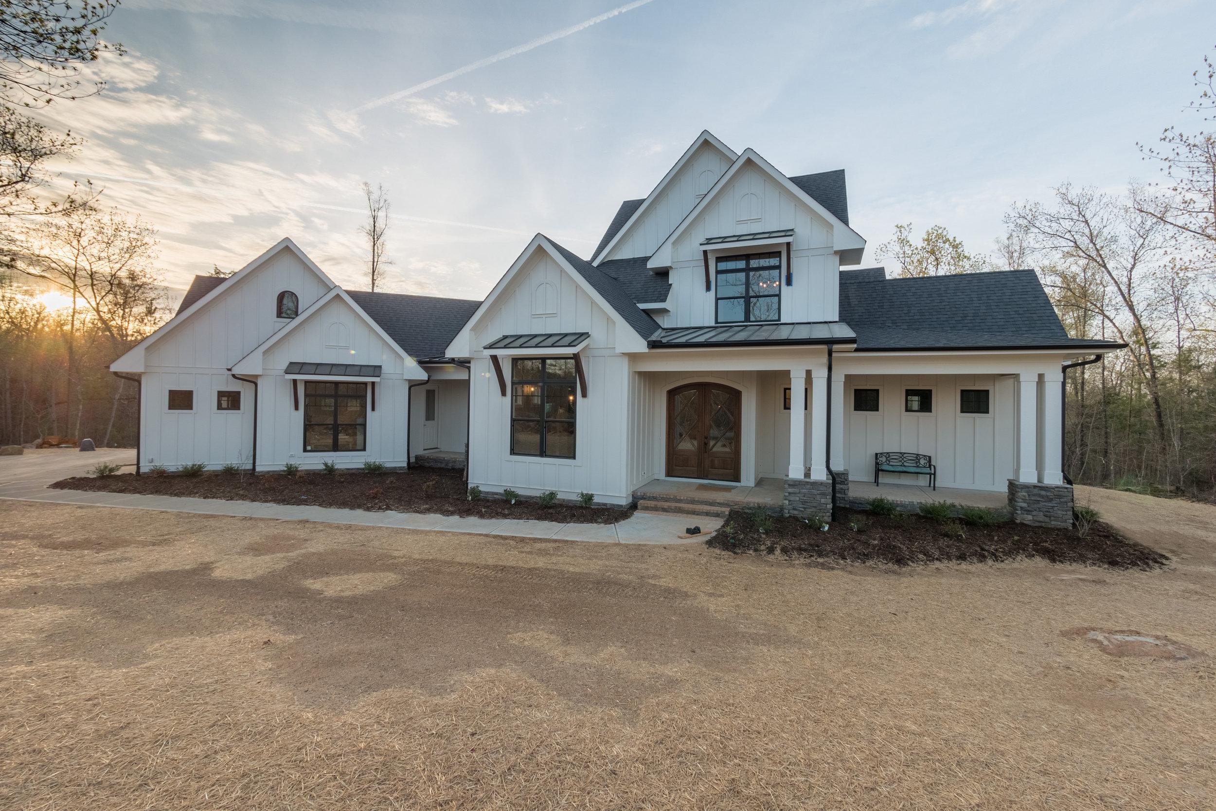 Elegant Farmhouse  (see plan  here )