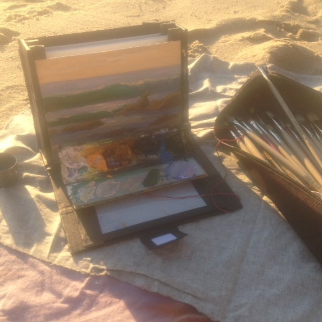Make Art Everyday! Challenge - Day 4  Super lightweight homemade plein air oil painting setup. Love making this stuff! (painting session was fun too)  #lagunabeach #lagunabeachcommunity #painterlydays #oilpainting #pleinair #painterly #painterlypeople #urbansketching #urbansketches #pleinairgear