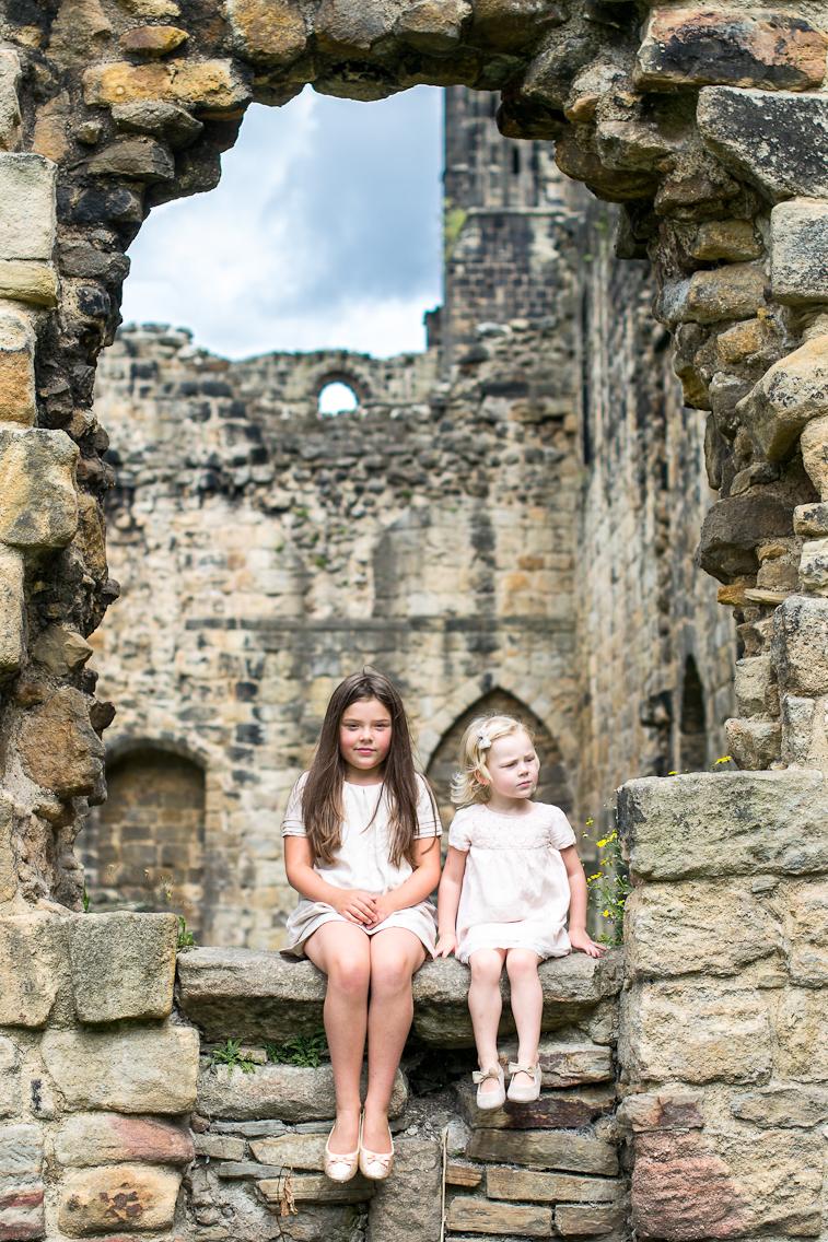 Stu and girls at abbey-157.jpg