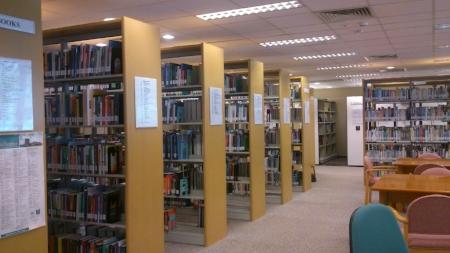 Alla möjliga böcker och tidningar inom ämnet.