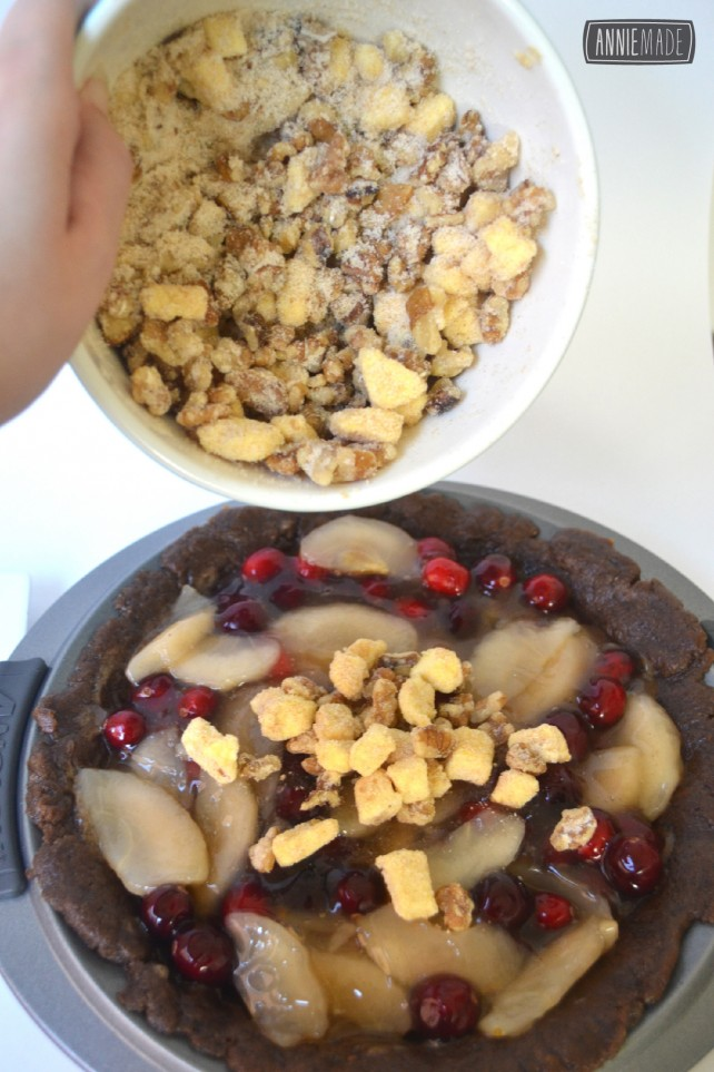 anniemade Cranberry Apple Crumb Pie with a Trader Joes Snickerdoodle Crust - Recipe!
