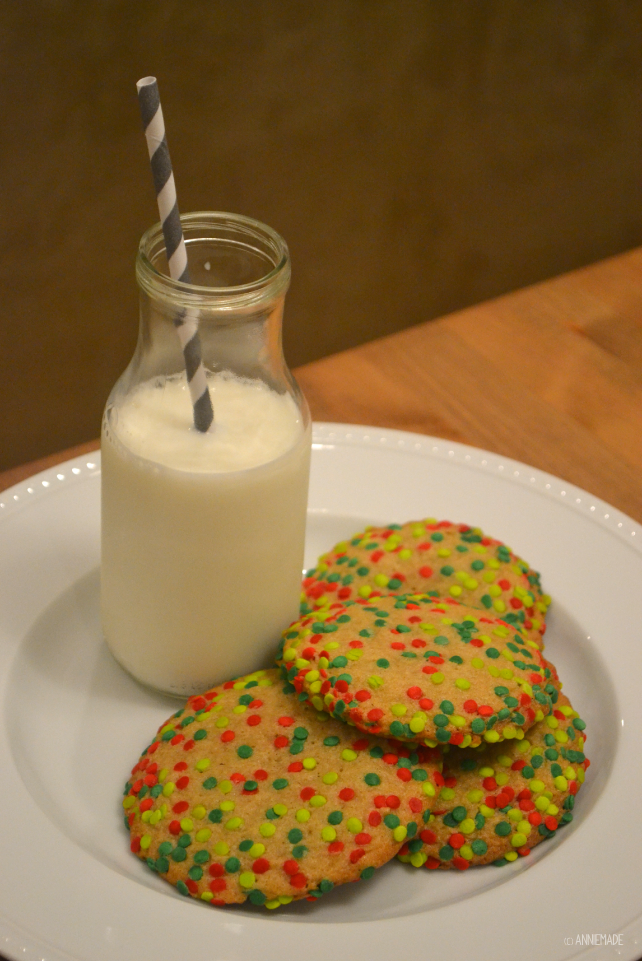 anniemade // Deliciously soft and chewy ultimate sugar cookie recipe