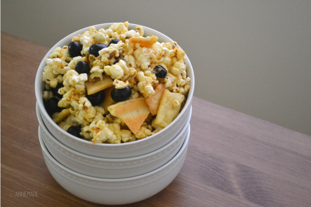 anniemade // Blueberry Pie Popcorn - Easy and Gluten-Free Recipe