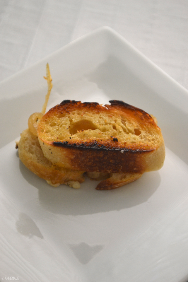 anniemade // Carmelized Onion and Bacon Grilled Cheese - Can be gluten-free